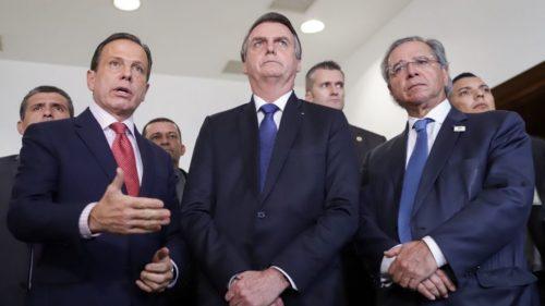 O presidente Jair Bolsonaro se reúne com o governador de São Paulo, João Doria, e o ministro da Economia, Paulo Guedes, na capital paulista.