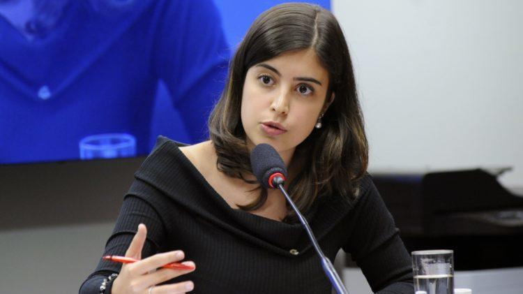 Cachê da deputada Tabata Amaral faz universidade desistir de palestra