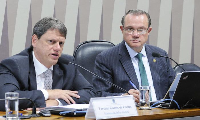 Ministro diz no Senado que asfaltamento da BR-319 começa em 2020