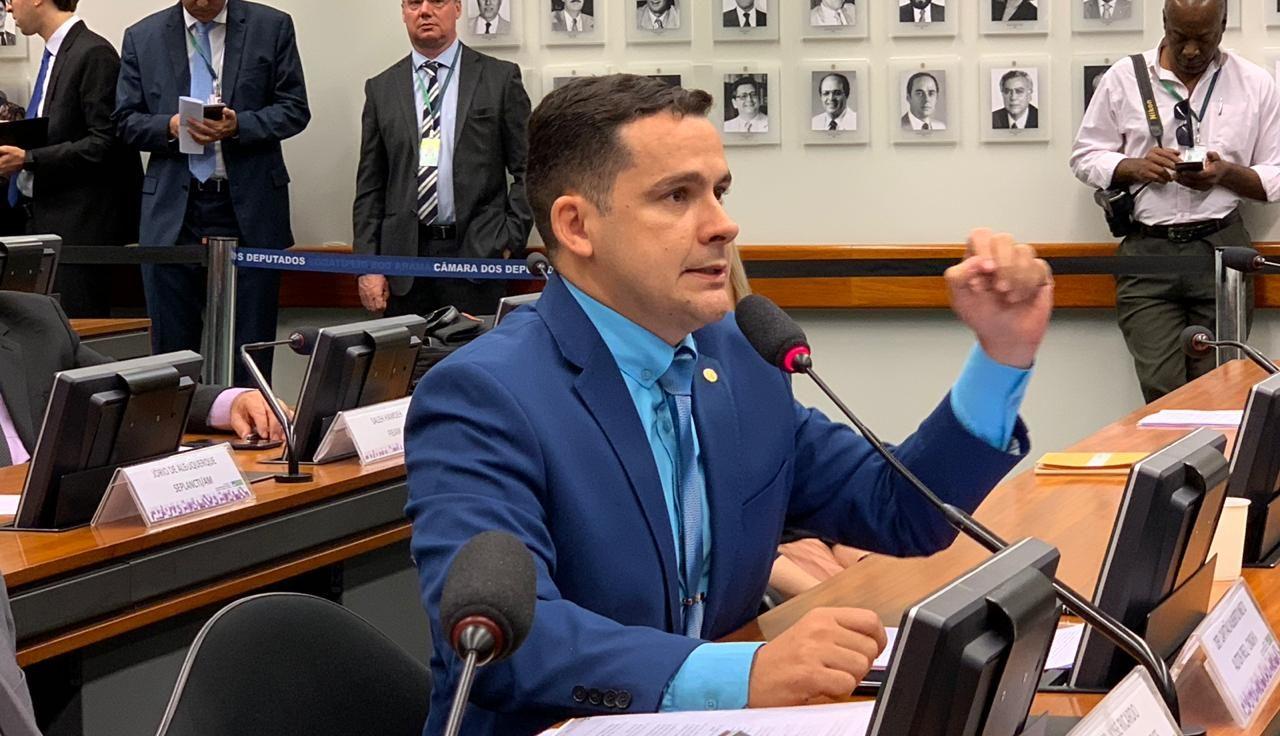 Relator quer margemconsignávelpara aposentados de 40% em lei
