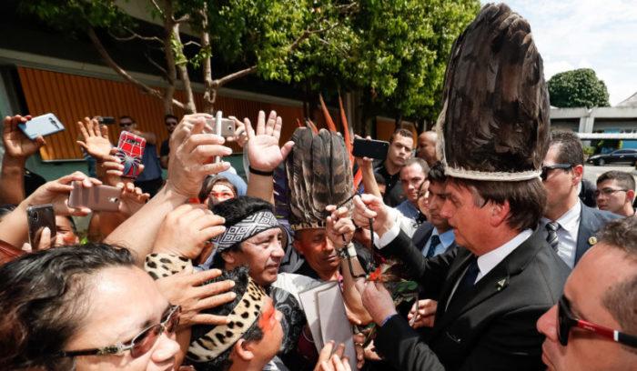 Bolsonaro tem apoio na bancada local para garimpo em terras indígenas