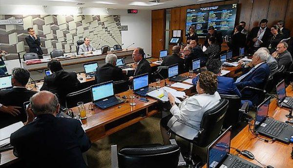Lei de Informática e seu futuro em dia decisivo em comissões do Senado