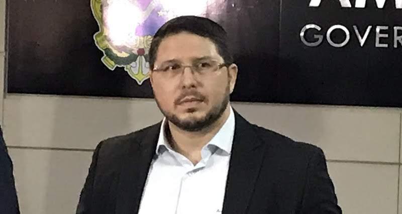 Casa e gabinete de Carlos Almeida são alvos de operação da PF