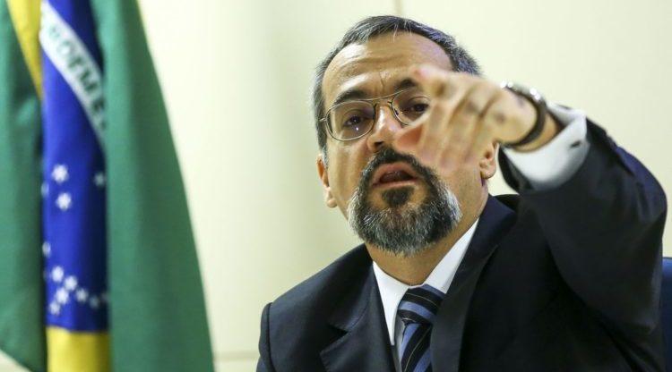 Corte de bolsas da Capes prejudica instituições da região Norte