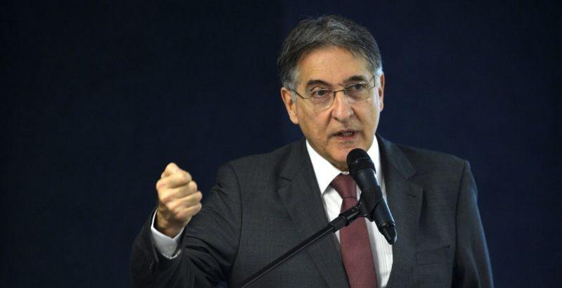 Polícia Federal deflagra nova operação contra Fernando Pimentel