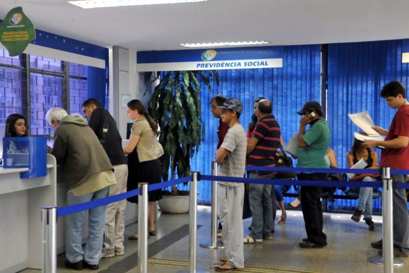 Governo manda INSS despachar aposentadoria em até 45 dias