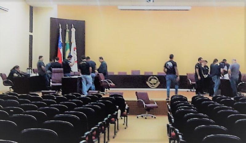 Vereadores tentam desviar foco do MP-AM, dizem aliados de Chico Doido