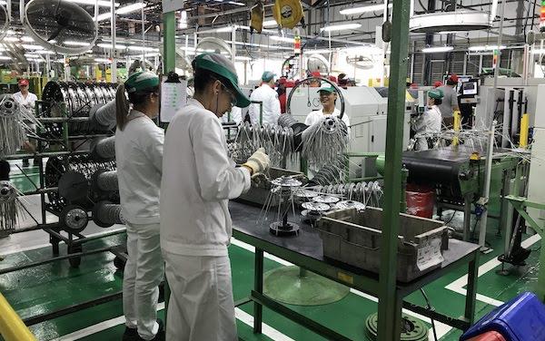 Coronavírus derruba produção industrial ao pior nível em 18 anos