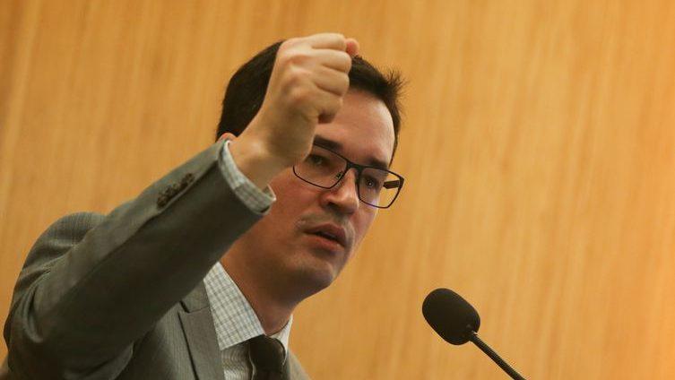 Conselho do MP não afasta Dallagnol por atividades político-partidárias