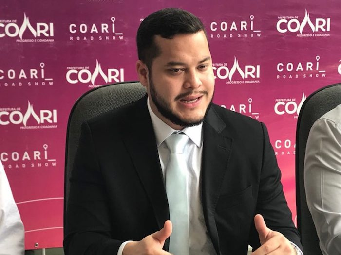 Aprovado por 77,6%, Adail Filho lidera com 53,8% das intenções