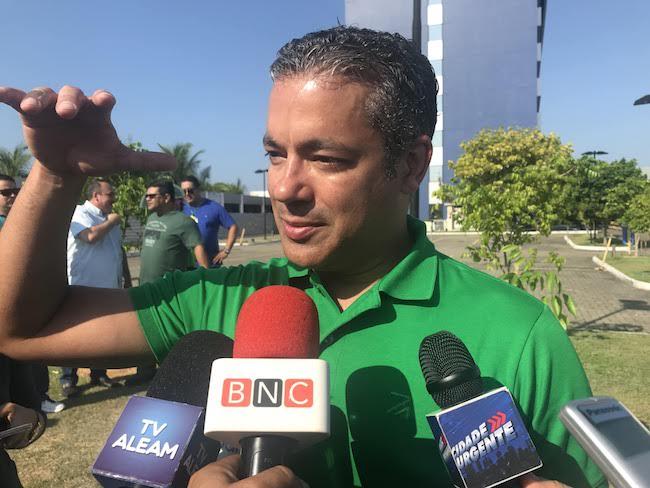 Presidente da ALE-AM vê mimimi na crítica de políticos a Bolsonaro