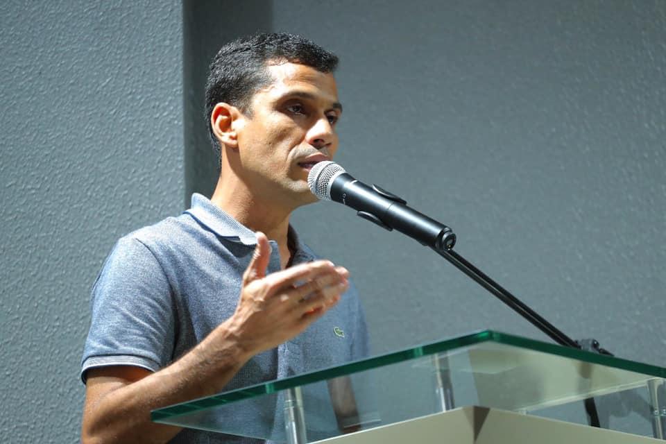 Pesquisa confirma tendência de reeleição de Júnior Leite em Maués