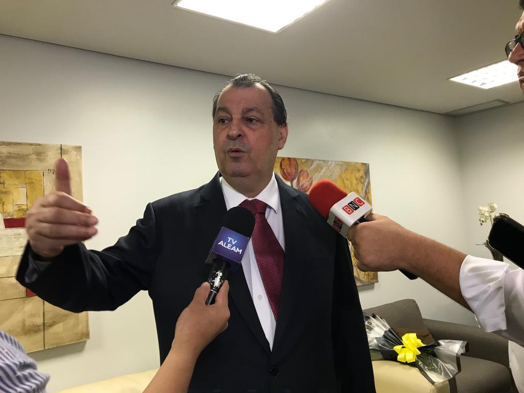 Aziz apela a Bolsonaro para não assacar novo prejuízo à ZFM