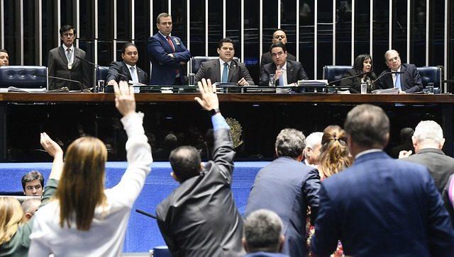 Senado rejeita regras partidárias que recebem críticas da sociedade