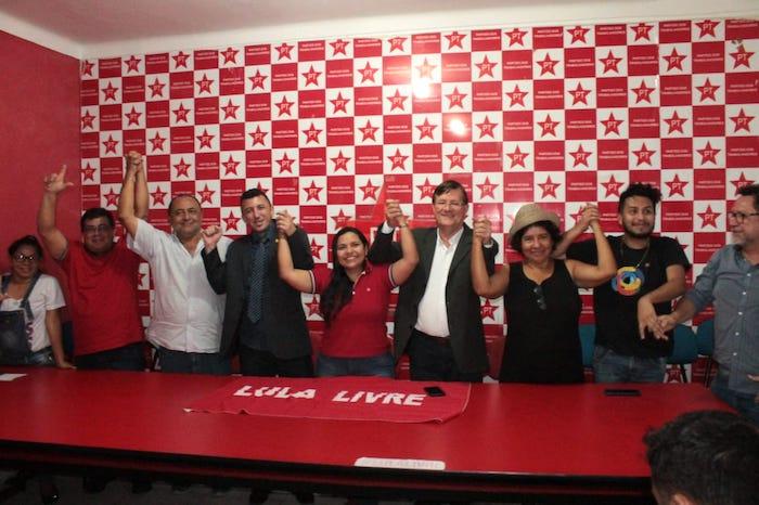 José Ricardo silencia, mas petistas rebatem Hissa Abrahão