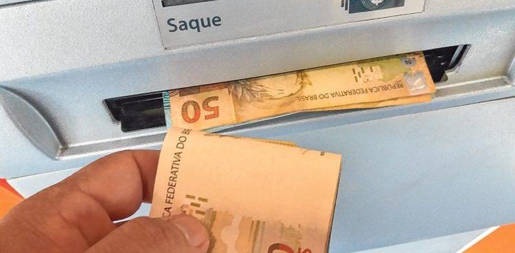 Saques de R$ 500 do FGTS começam a ser liberados nesta sexta
