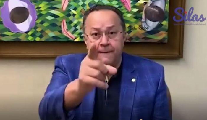 Silas perde paciência com Paulo Guedes e ameaça retaliações