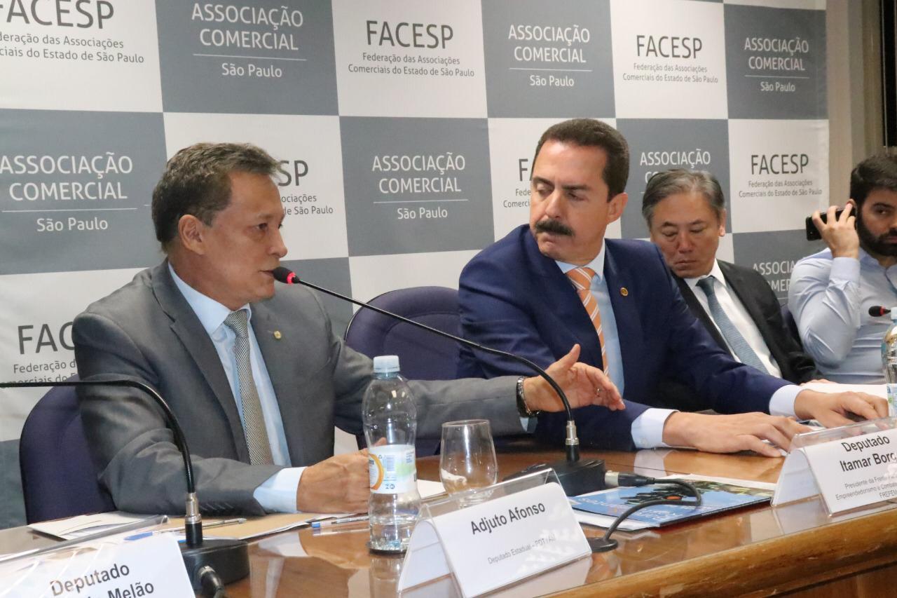 Adjuto Afonso discute liberdade econômica para empreendedor em SP