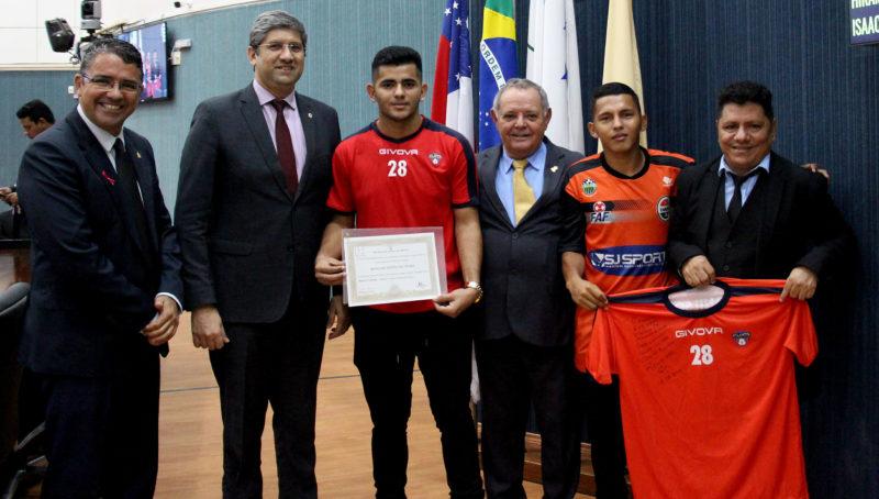 CMM descobre jogadores de futebol que compõem o poder