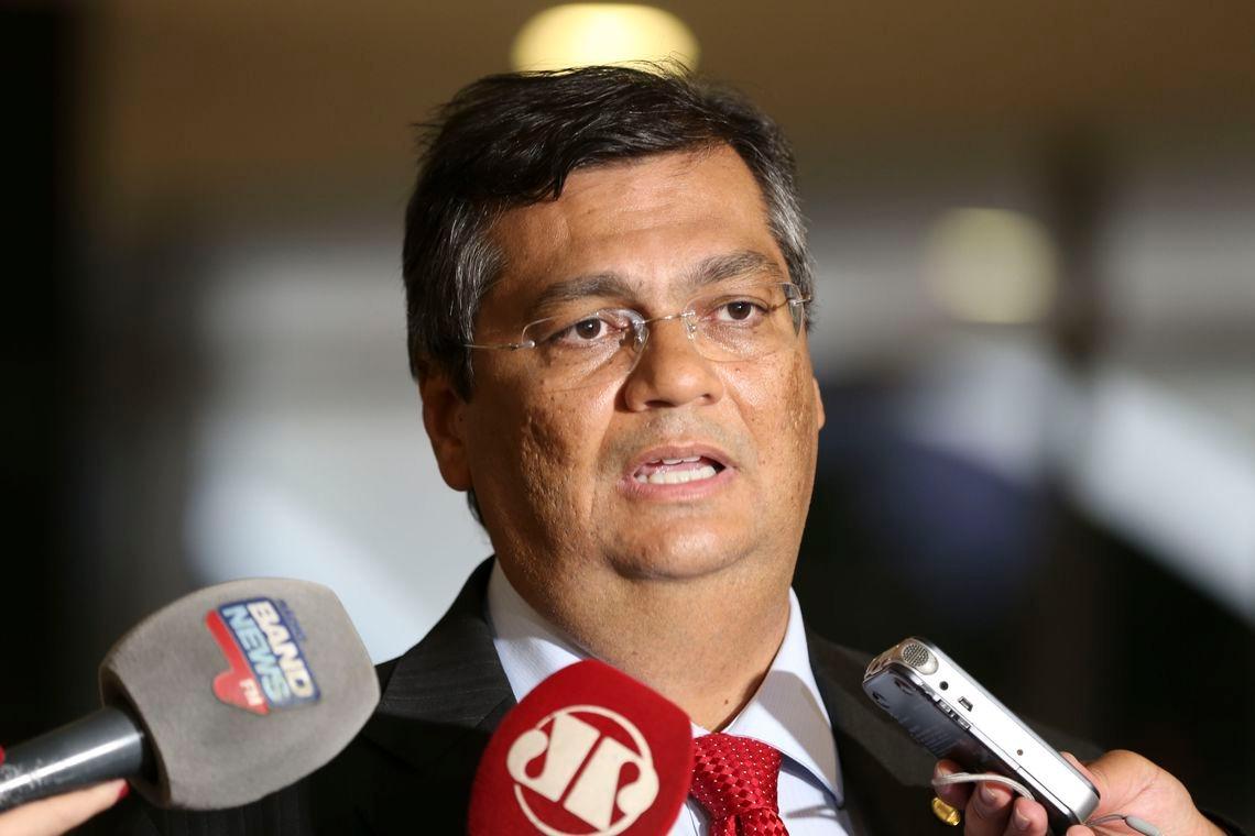 Governador do Maranhão faz mutirão para vacinar acima de 29 anos