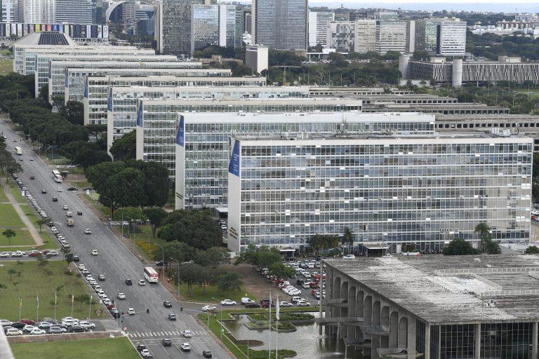 Bolsonaro libera R$ 2,16 bilhões para emendas parlamentares impositivas