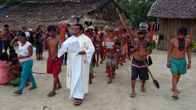 Padre indígena diz que sínodo quer construir igreja com  'rosto amazônico'