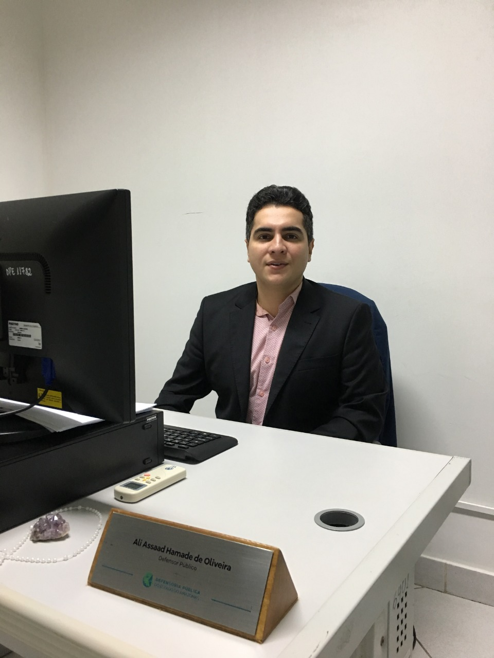 Defensoria atende mais de 100 casos de negligência contra idosos por mês
