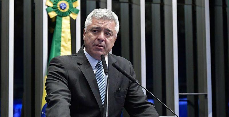 Senador denuncia conspiração de filho de Bolsonaro para implodir PSL