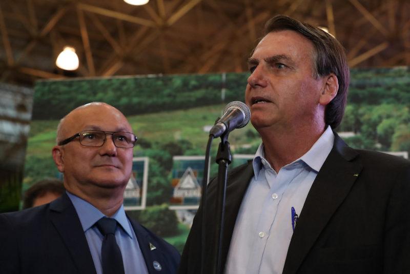 """Bolsonaro orienta minha campanha em Manaus"", diz Coronel Menezes"