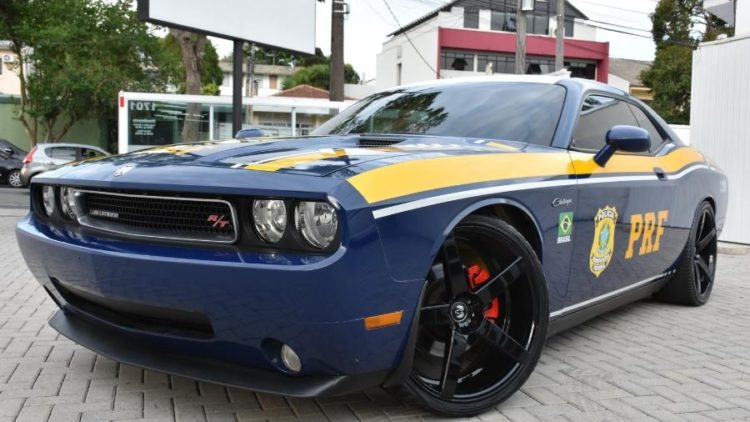 Polícia Rodoviária usa Dodge Challenger em vigilância de fronteira