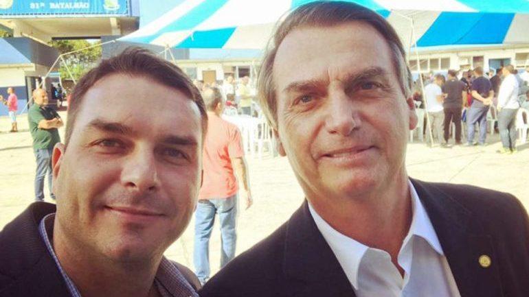 Presidente Bolsonaro e o filho Flávio se filiarão ao Aliança pelo Brasil