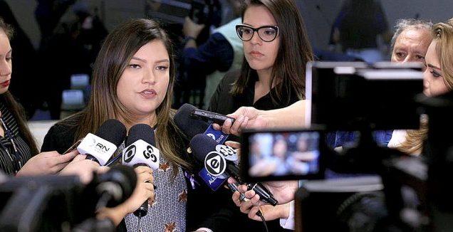 """""""É uma possibilidade e tenho competência"""", diz deputada sobre prefeitura"""