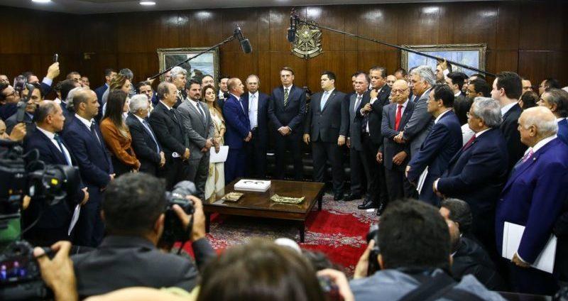 Pacto federativo prevê cobrança geral e R$ 400 bilhões em 15 anos