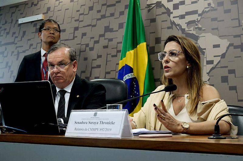 Comissão rejeita MP de Bolsonaro contra publicações de empresas em jornais