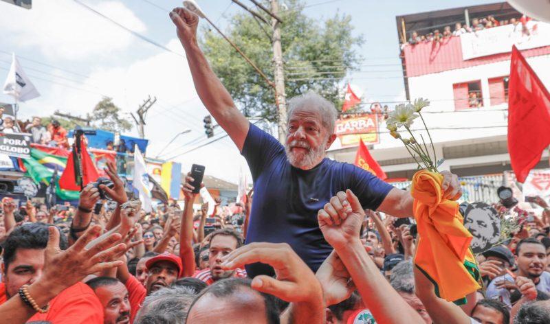 """Porque ninguém é de ferro, Lula anuncia que entra de """"férias"""" hoje"""