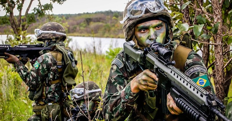 Exército brasileiro detém militares venezuelanos em Roraima