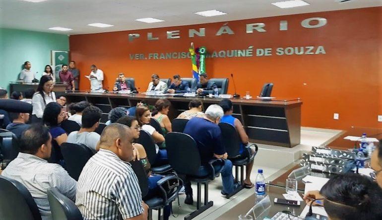 Vereadores adiam votação do relatório de denúncia contra Chico Doido