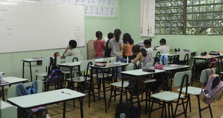 Ministro aponta governos passados no fracasso na educação brasileira