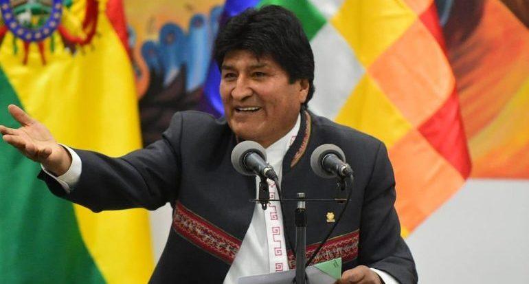Polícia boliviana procura Evo Morales com ordem de prisão