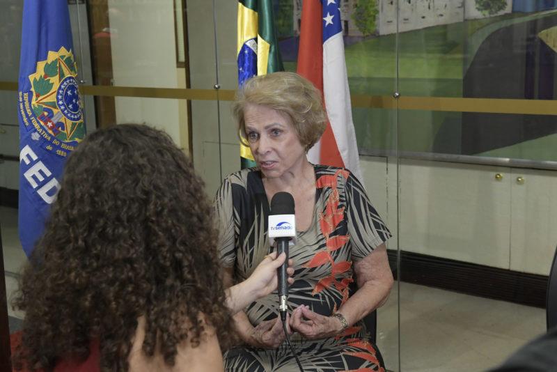 Primeira senadora do país, mandato de Eunice Michiles ganha vida no Senado