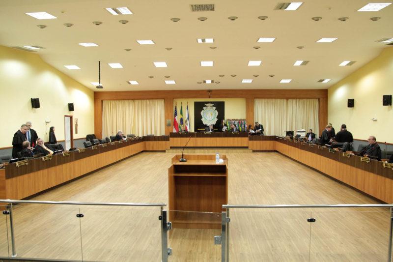 Pleno do TJ-AM aprecia liminar que suspende processo de impeachment