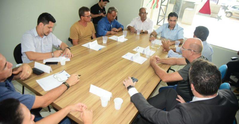 Empresários buscam apoio de Álvaro para fortalecer CDL de Iranduba