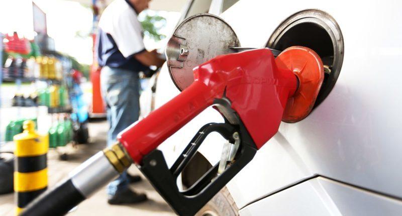 Combustíveis sofrerão impacto de ataque americano, diz Bolsonaro