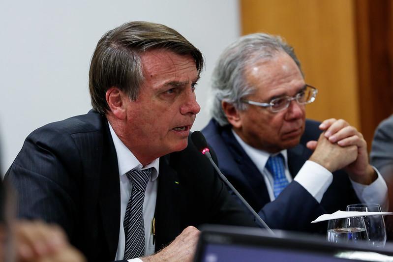 Guedes segue no governo e busca liberação de R$ 5 bi sem furar teto