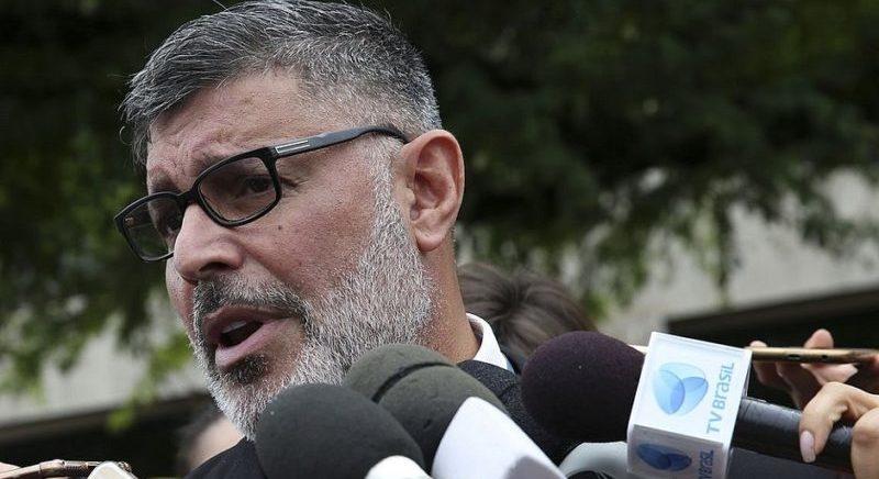 """""""Regina Duarte será namoradinha do fascismo"""", diz Alexandre Frota"""