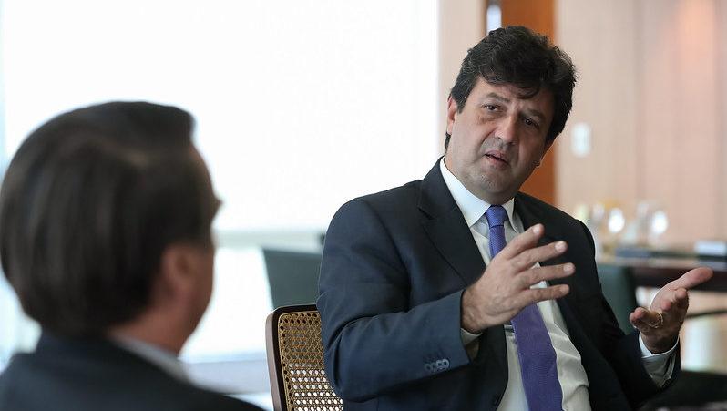A pedido de Bolsonaro, ministro cancela vinda a Manaus para tratar do coronavírus