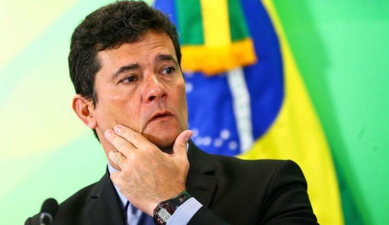 Sergio Moro começa no seu novo emprego em Brasília