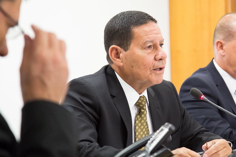 Bolsonaro anuncia criação do Conselho da Amazônia sob a coordenação de Mourão