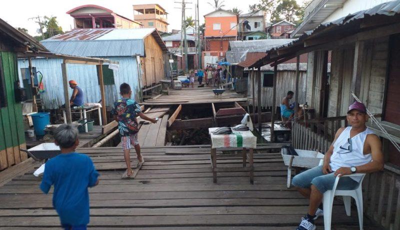 Ponte desaba e causa transtornos aos moradores de Tefé