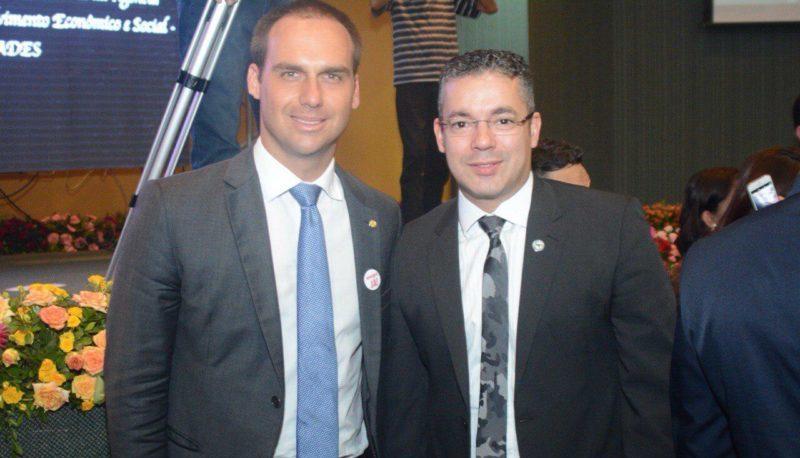 Josué Neto apoia Aliança de Bolsonaro e é seguido no Twitter pelo filho Eduardo